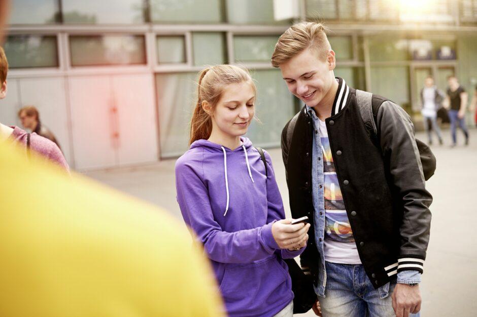 Cybermobbing: Schulen können sich für Präventionskurse bewerben.