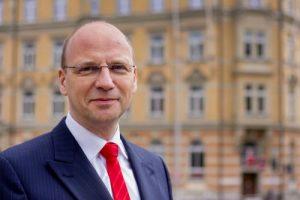 Professor Schramm möchte Kompetenzen der Unternehmen stärken